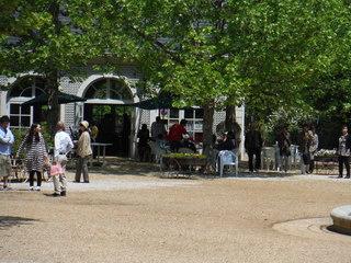フランス広場カフェ.JPG