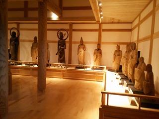 仏像展示館1.jpg